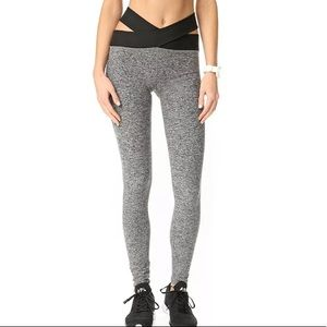 BEYOND YOGA NWT East Bound Cross Waist Leggings S
